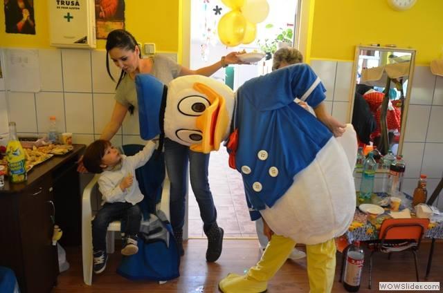 Mascote-de-la-Disneyland15