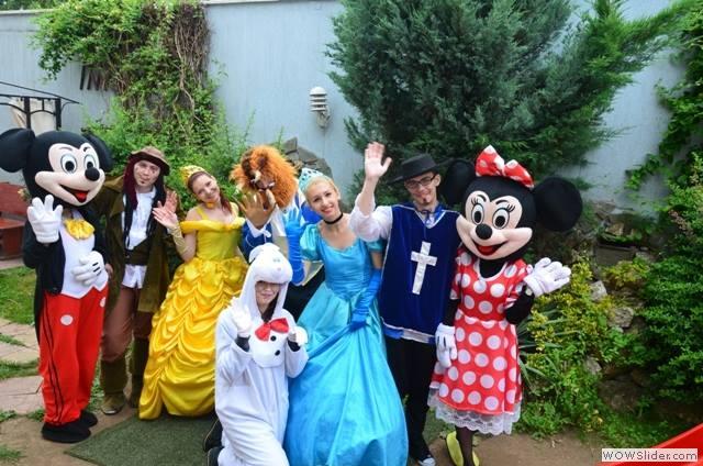 Mascote-de-la-Disneyland7